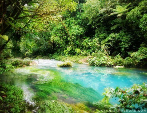 rio celeste costa rica volcantenorio
